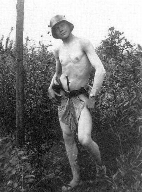 голый фашист фото