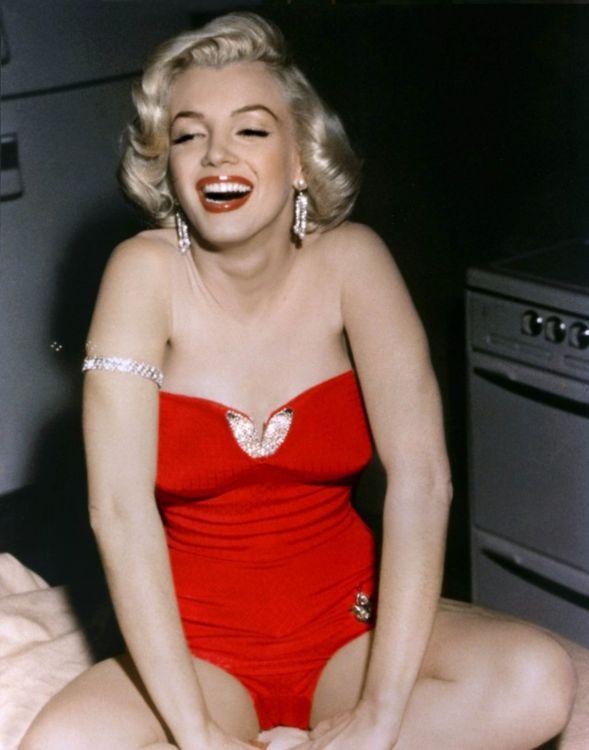 Порно мэрилин блонди