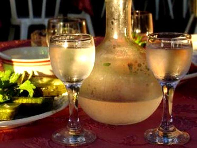 Этот алкогольный напиток - самая распространенная составляющая при...